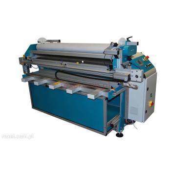 Maszyna do rozwijania i odcinania tkanin