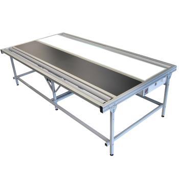 Stół do przeglądania tkanin roletowych