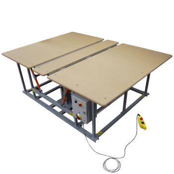 Stół montażowy z funkcją składania blatu